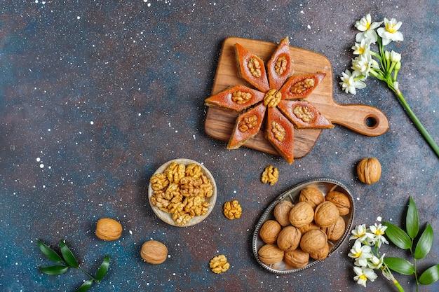 Tradizionale festa azera novruz dolci pakhlavas.