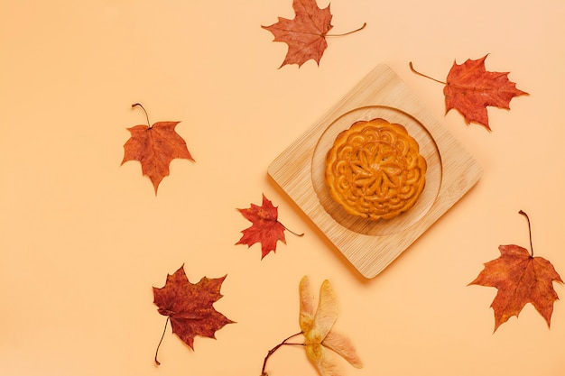 Mooncake cinesi tradizionali. dolce e salato fatto in casa per il mid autumn chinese festival