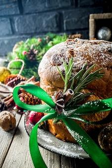 Panettone natalizio tradizionale