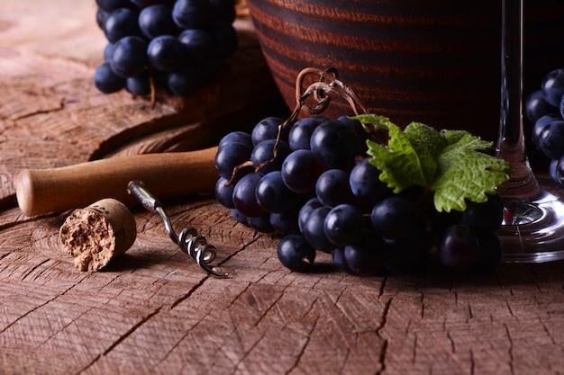 Vino e uva georgiani tradizionali