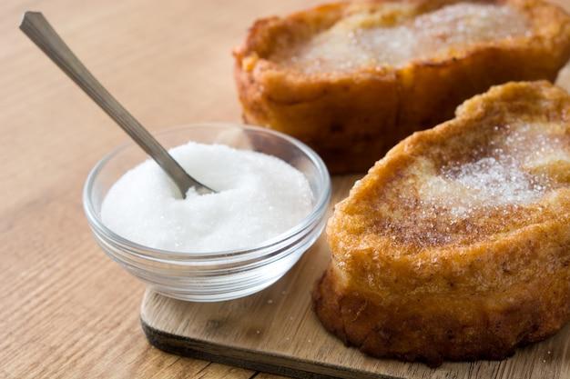 Dessert spagnolo tradizionale casalingo di pasqua di torrijas.