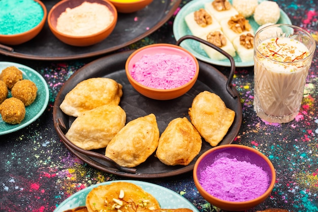 Cibo tradizionale indiano holi festival