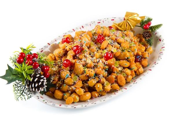 Palline di miele tradizionale italiano stuffoli di natale