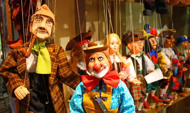 Burattini tradizionali in legno. negozio a praga - repubblica ceca