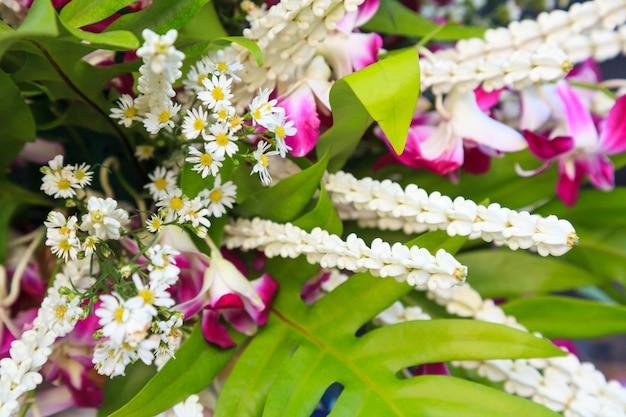 Disposizione dei fiori tailandesi tradizionale arte fiorista