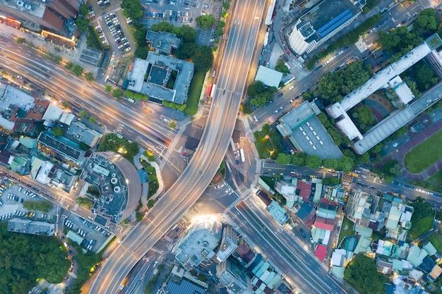 Vista aerea del cerchio di traffico - immagine del concetto di traffico, rotatoria gongguan, a taipei, taiwan.