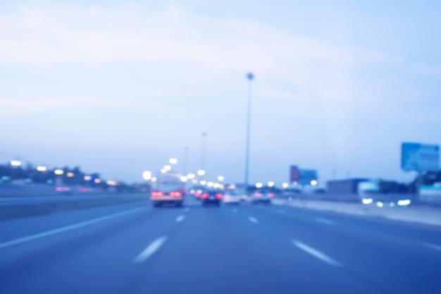 Ingorghi stradali in città - softfocus dell'ora di punta e sfocato