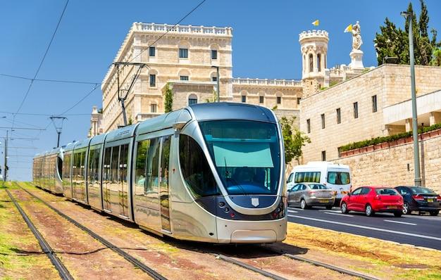 Tram sulla metropolitana leggera a gerusalemme - israele