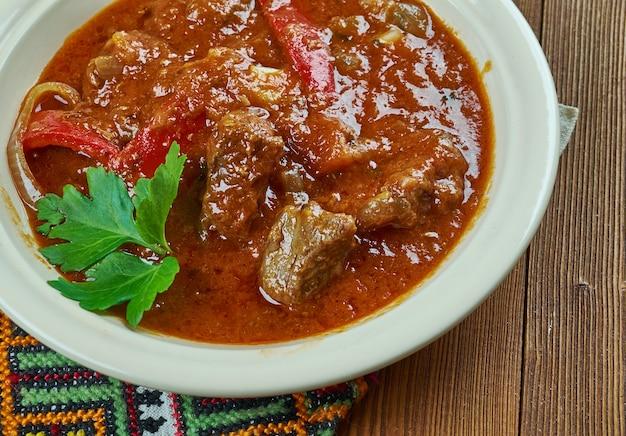 Bohrach della transcarpazia - primo piano del gulasch di carne
