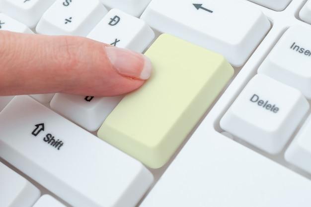 Trascrivere l'audio della riunione su internet registrare nuovi metodi di trascrizione raccogliere informazioni su internet