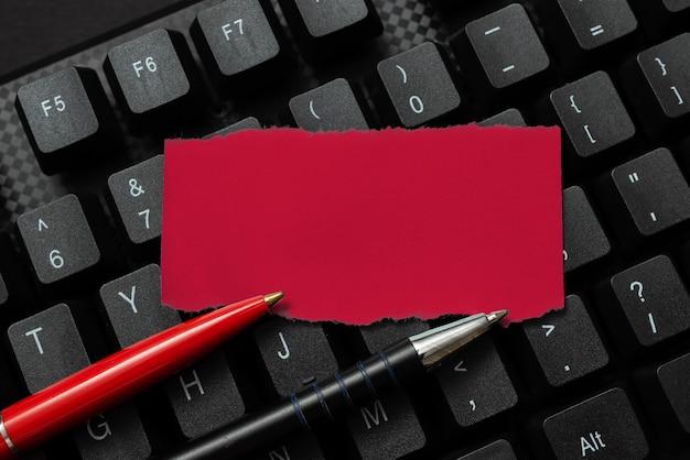 Trasferimento di appunti scritti al computer, digitazione di messaggi motivazionali, navigazione in internet, acquisti, raccolta di informazioni, apprendimento di cose nuove, diffusione della presenza aziendale