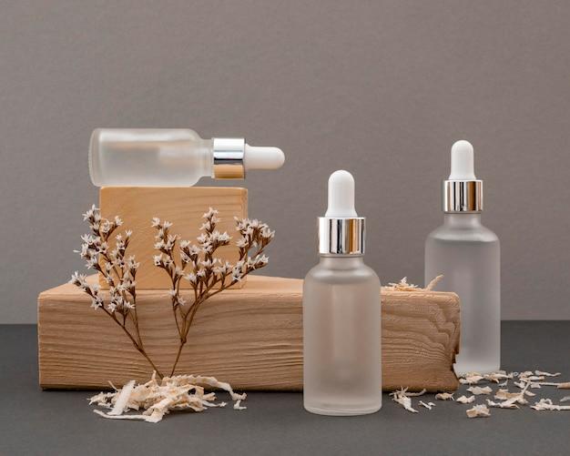 Disposizione trasparente dei contagocce dell'olio della pelle