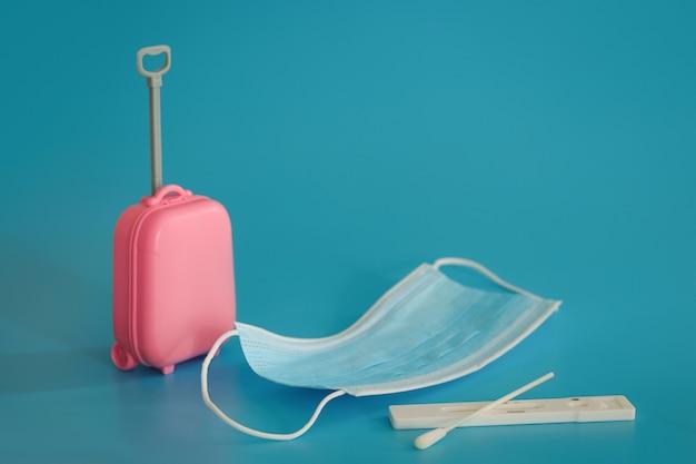 Viaggi e voli durante il periodo di covid19 spazio libero copia spazio vacanze per le vacanze