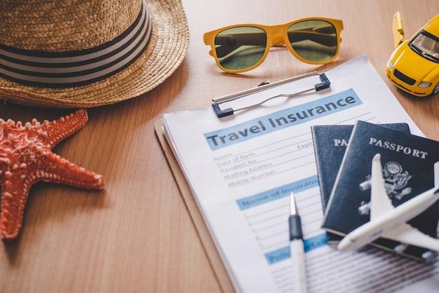 Documenti di assicurazione di viaggio per aiutare i viaggiatori a sentirsi sicuri nella sicurezza del viaggio.