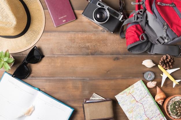 Piano di viaggio, accessori vacanza viaggio per viaggio, mockup turismo