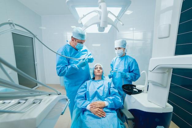 Trattamento della perdita dei denti. tecnologie odontoiatriche moderne