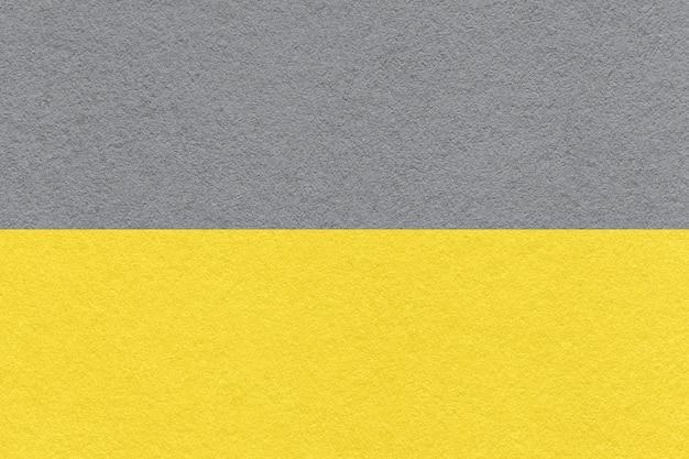Colore di tendenza dell'anno 2021 giallo luminoso e grigio finale.