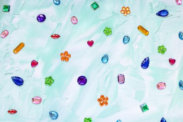 Strass di cristallo alla moda per cucire concetto di decorazione di abbigliamento fai da te