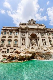Fontana di trevi a roma, italia
