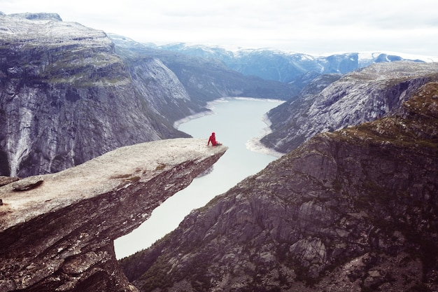 Trolltunga in norvegia