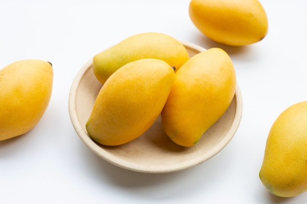 Frutta tropicale, mango.