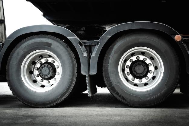 Ruote per camion industria dei pneumatici trasporto su strada trasporto su camion