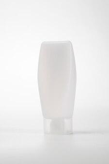 Prodotto in plastica bianca da appoggio per custodia tubolare