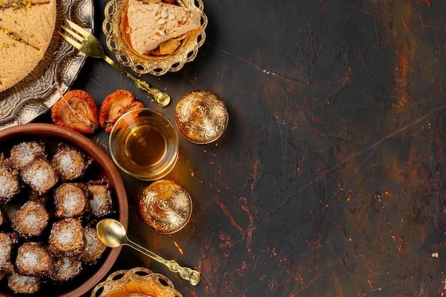I dolci turchi della pasticceria del baklava si chiudono sulla foto