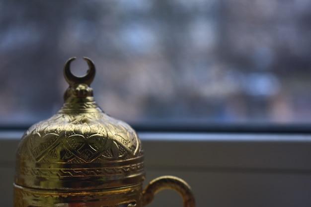 Servizio d'oro al caffè turco