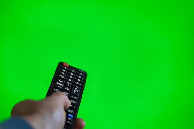 Telecomando tv su schermo chroma verde Foto Premium