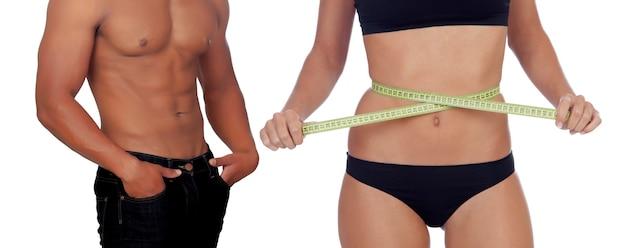 Due corpi modellati dalla palestra. prenditi cura della tua salute