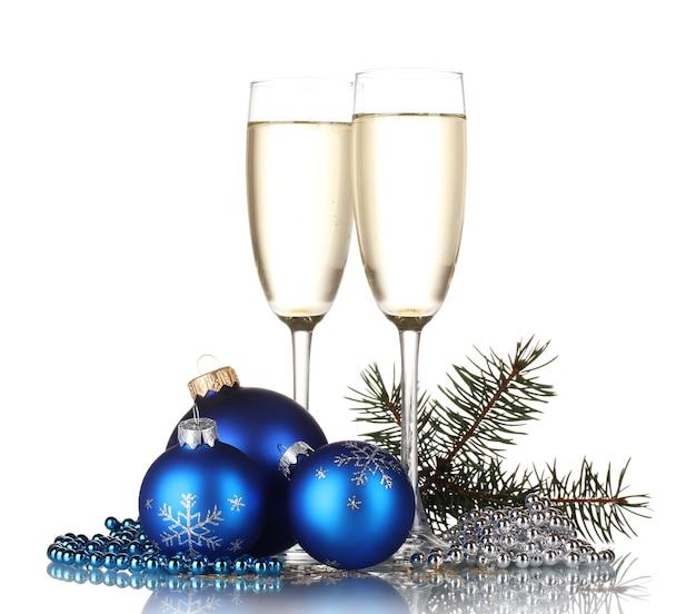 Due bicchieri con decorazioni natalizie