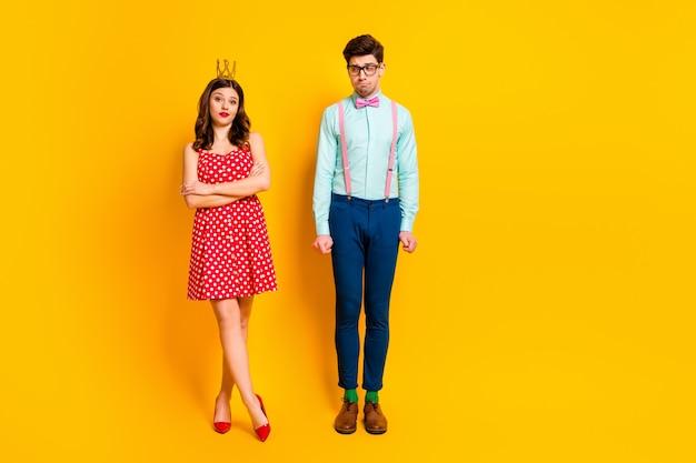 Due persone festa del ballo regina ragazza ragazzo geek