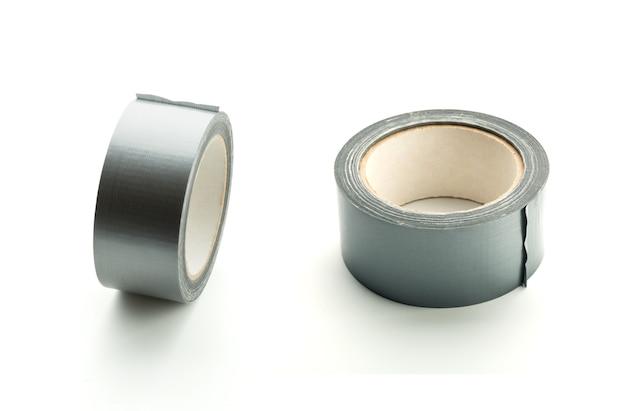 Due rotoli di nastro adesivo argento