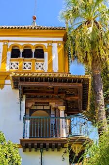 Una tipica villa spagnola a siviglia, spagna