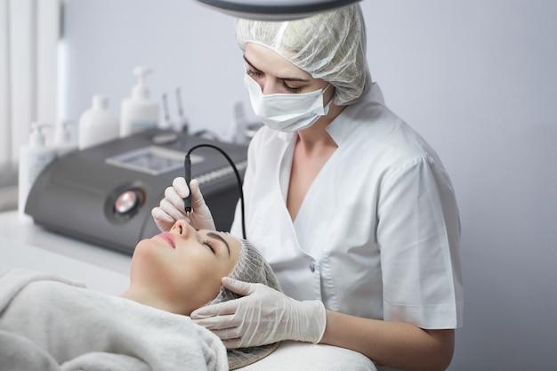 Cavitazione ultrasonica, pulizia della pelle del viso