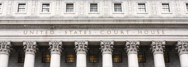 Tribunale degli stati uniti. facciata del tribunale con colonne, lower manhattan, new york