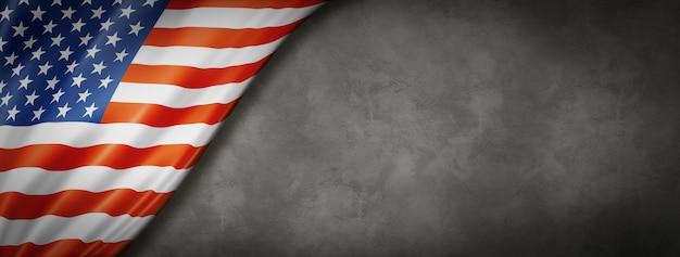 Bandiera degli stati uniti sul muro di cemento