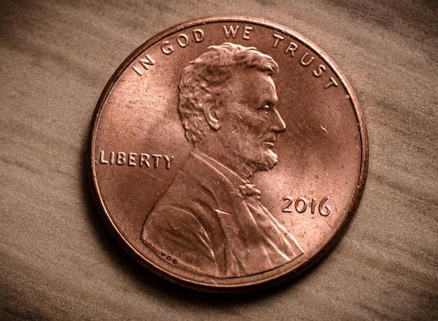 Penny di dollari usa nella fotografia macro che mostra il lato posteriore