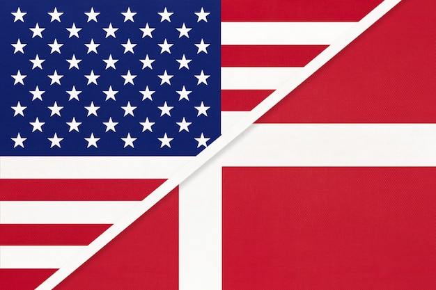 Bandiera nazionale usa vs danimarca dal tessile. rapporto tra paesi americani ed europei.