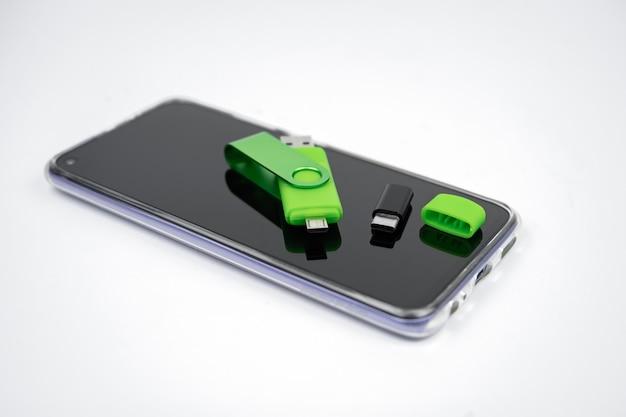 Chiavetta usb micro usb 2.0. memory stick otg per telefono. doppia scheda flash