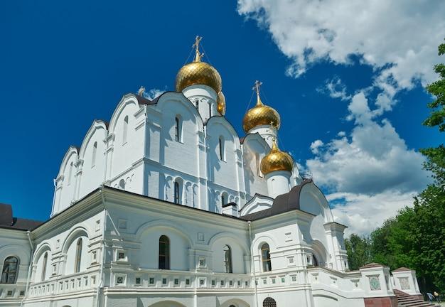 Cattedrale uspensky a yaroslavl russia. anello d'oro della russia, 18 giugno 2017