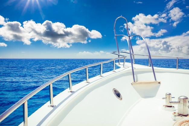 Vacanza, viaggio, crociera e tempo libero