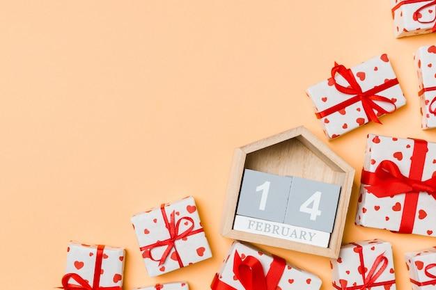 San valentino allegro nella decorazione delle vacanze.