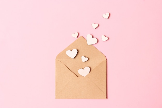 Sfondo di san valentino in stile minimalista. cuori, sfondo, posto per inserire il testo. foto di alta qualità