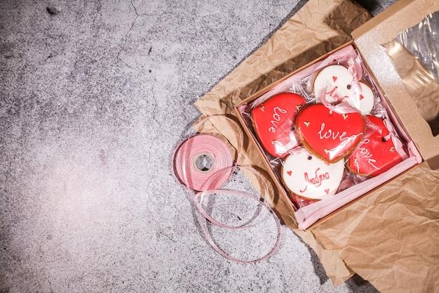 Sfondo di biscotti di san valentino, vista dall'alto