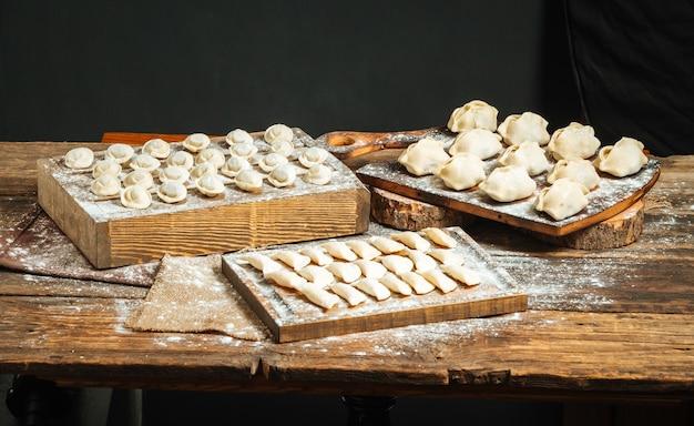 Varietà di gnocchi semilavorati con farina