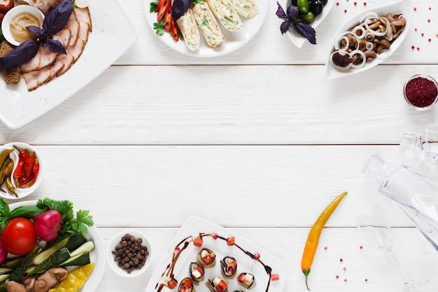 Varietà di snack per la tavola tradizionale