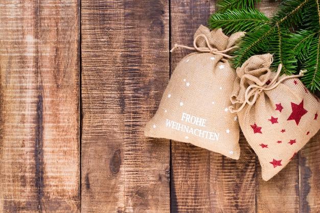 Varie decorazioni festive per il natale