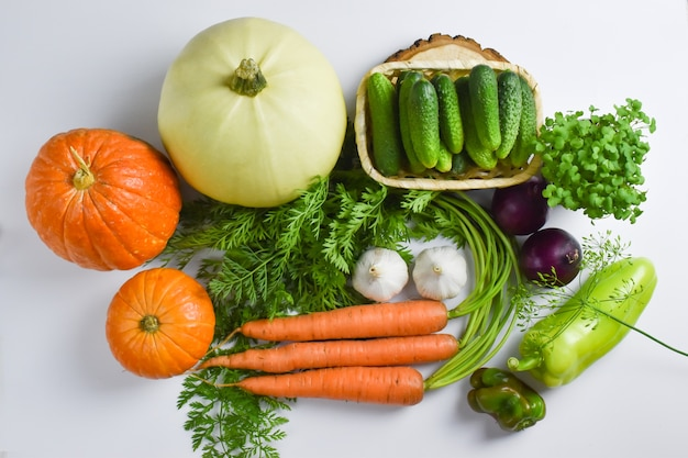 Vista dall'alto di varie verdure